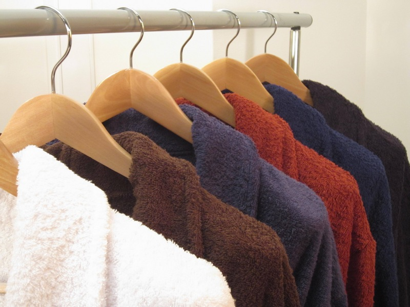 ассортимент махровых халатов